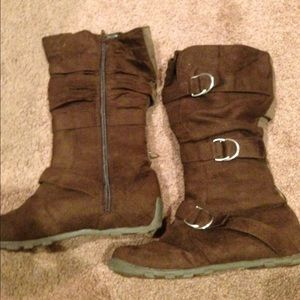 Shoes - Brown buckle boots